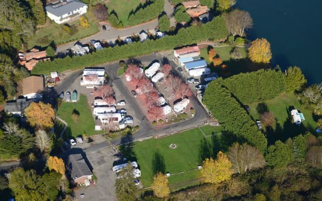 Riverside rv resort join us by the chetco river for Chetco river resort cabins brookings oregon